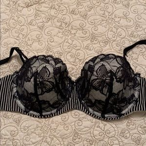 Padded push up VS bra 34D